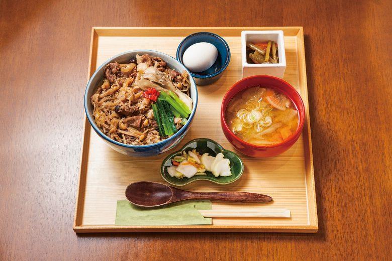 (日本語) にいがた和牛を使ったきのこ牛丼
