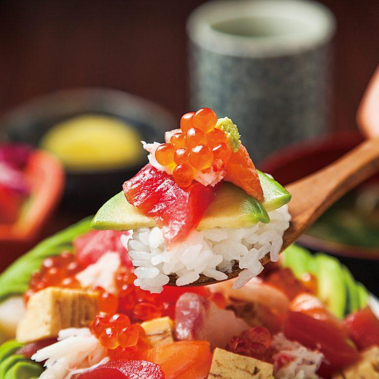 (日本語) アボカド海鮮ちらし丼