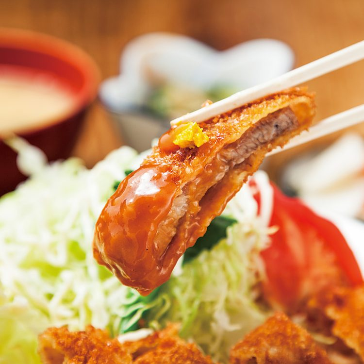 貫禄のデミグラスソース マンセの洋風カツ丼