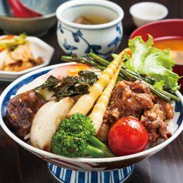 (日本語) にいがた和牛の牛すじ煮込みと季節野菜の糀炒…