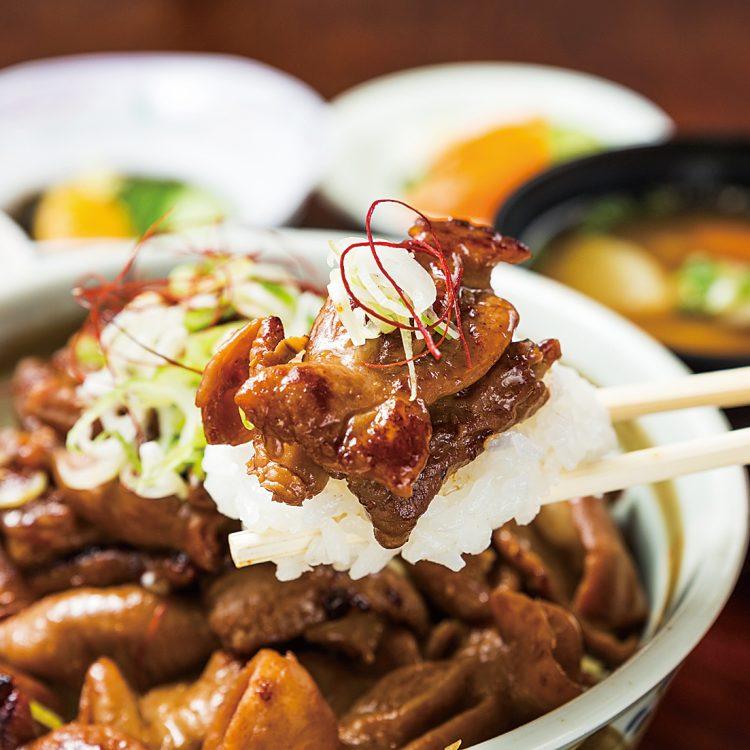 (日本語) ばあちゃん直伝のモツ焼き丼