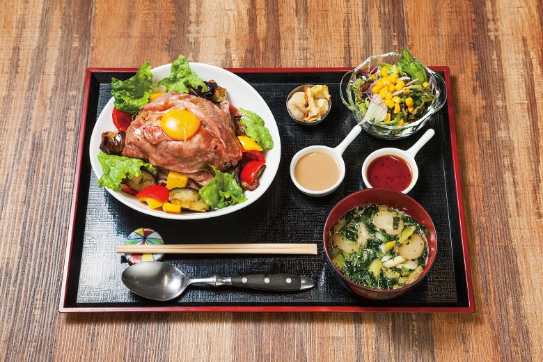 (日本語) 肉の極み越後牛と三種の肉 ~オレのよくばり丼~