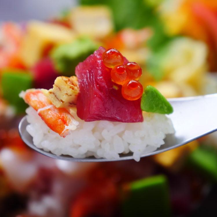 アボカド海鮮チラシ丼