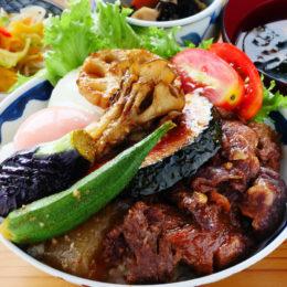 [:ja]にいがた和牛の牛すじ煮込みと季節野菜の糀炒め[:]