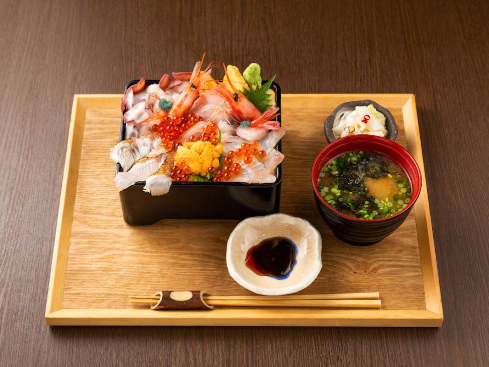 炙りのどぐろと熟成魚の鮮極丼~佐渡からの贈り物~