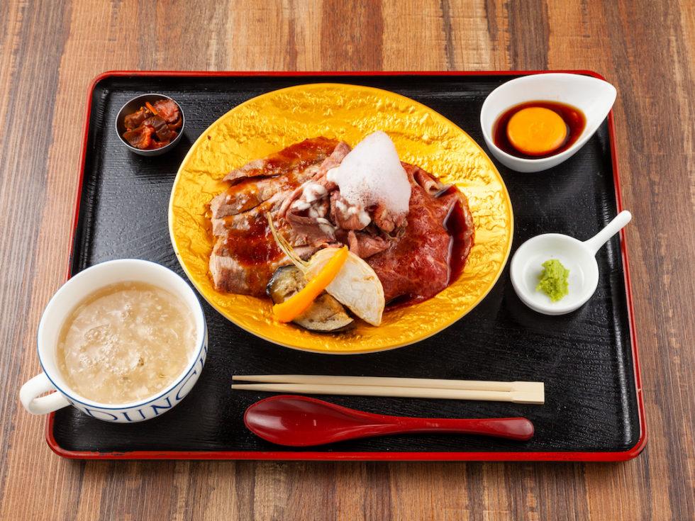 肉の最高級×米の最上級 松阪牛・炭火焼きポーク・ローストビーフの金のしあわせ丼